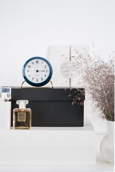 lisbet e. Floating Nightstand, Accessories, Beautiful Things, Home Decor, Kitchen, Floating Headboard, Decoration Home, Room Decor, Home Interior Design