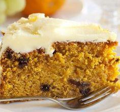 Klasický mrkvový dort je lehký a vláčný moučník. Určitě s ním uspějeme při každé slavnostnější příležitosti. Ke kávě, ví