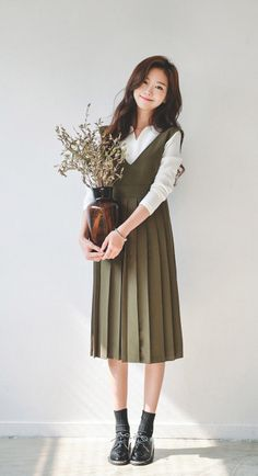 That Little Mori Girl Modest Clothing, Modest Dresses, Modest Fashion, Fashion Dresses, Feminine Fashion, Fashion Edgy, Fashion Clothes, Women's Clothing, Korean Outfits