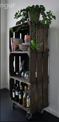 10 DIY ideas that can be made from old wooden boxes . 10 DIY ideas that can be made from old wooden boxes! Page 2 of 10 DIY craft ideas (Diy Outdoor) The post 10 DIY ideas that can be made from old wooden boxes . appeared first on Holz ideen. Decor, Home Diy, Old Wooden Boxes, Old Wooden Crates, Diy Decor, Diy Home Decor, Home Decor, Crates, Home Deco