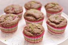 Matcha Spirulina Muffins – Train Hard Live Clean Clean Eating Recipes, Healthy Recipes, Raspberry Filling, Spirulina, Train Hard, Matcha, Healthy Choices, Muffins, Cleaning
