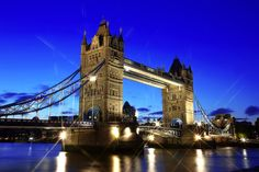 Stunning view of the London Bridge! http://journeypod.com/destinations/international-destinations/london/