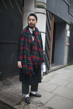 http://www.wwdjapan.com/snap/party_event/world/london/london-mens-collection-2015-16-fw/13154/