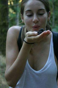 Shailene Woodley :)