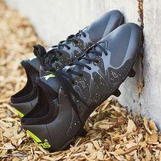buy popular b96cb 50bfe Botas De Fútbol, Zapatos De Fútbol, Zapatos De Moda
