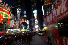 Times Square bei Nacht. (2)
