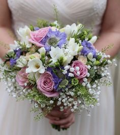 Cute flowers. Whimsicalwonderlandweddings