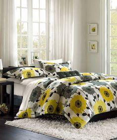 Hayes Comforter Set