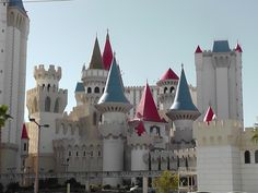 Want to know the best kid friendly hotels in Las Vegas? We're experts on things to do in Vegas with kids. Read our suggestions on the best hotels in Las Vegas for families. Visit Las Vegas, Las Vegas Trip, Las Vegas Nevada, Excalibur Las Vegas, Vegas Hotel Deals, Las Vegas Hotels, Vegas Activities, Las Vegas With Kids, Trip To Grand Canyon