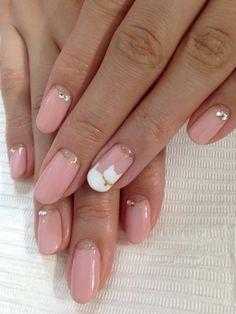 白ネコ♡   新宿 ネイルサロン&ネイルスクール VIXIA..like the soft pink w/crystal *leave off the kitty