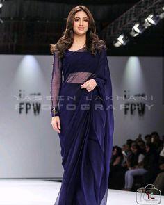 Indian Bridal Outfits, Indian Fashion Dresses, Indian Designer Outfits, Frock Fashion, Fashion Flats, Pakistani Formal Dresses, Pakistani Dress Design, Stylish Sarees, Stylish Dresses
