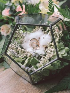 Terrarium ring box geometric wedding decor