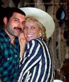 Freddie Mercury sneaking Princess Diana into a gay bar. 1988 Freddie Mercury sneaking Princess Diana into a gay bar. Queen Freddie Mercury, Freddie Mercury Last Photo, Princesa Diana, Soul Musik, Freddie Mecury, Roger Taylor, Musica Popular, We Will Rock You, Queen Band