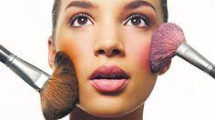7 Easy ways to winter-proof your makeup: https://planetzuri.wordpress.com/2016/11/04/winter-proof-your-makeup-2/?preview=true