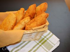 Incredible Russian Piroshki Recipe easy to make and are very delicious. Enjoy with different filling such as cheese, cabbage, eggs, etc. The post Russian Piroshki Recipe easy to make and are very delicious. Enjoy with differen… appeared first on Trupsy . Polish Recipes, Meat Recipes, Snack Recipes, Cooking Recipes, Yummy Recipes, Cooking Tips, Ukrainian Recipes, Russian Recipes, Russian Foods