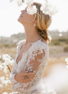 Samantha Wills Bridal jewelry Collection (not sure about the gown designer...hopefully GWS will clarify!)