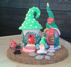 Fairy House. Foam clay, Super Light clay,Styrofoam eggs. Light Clay, Clay Projects, Snow Globes, Gingerbread, Polymer Clay, Mixed Media, Arts And Crafts, Eggs, Play