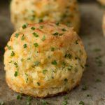 These tall, flaky, Ridiculously Easy Cheddar Chive Biscuits are melt-in-your-mouth-delicious and will have you quite smitten with the first bite! These would be perfect to serve at your Christmas party! Bread Recipes, Cooking Recipes, Easy Recipes, Cooking Ideas, Delicious Recipes, Brunch, Good Food, Yummy Food, Tasty