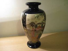 Een antieke Satsuma vaas ca. 1900 met mooie afbeeldingen van