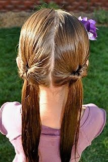 Hairstyles for school An easy 5 minute hairstyle for school mornings! Separate into two low pigtails a. An easy 5 minute hairstyle for school mornings! Separate into two low pigtails and do them as pull-through ponytails, and you're done! Girls Hairdos, Baby Girl Hairstyles, Princess Hairstyles, Hairstyles For School, Teenage Hairstyles, Easy Little Girl Hairstyles, Toddler Hairstyles, Girl Haircuts, Short Haircuts