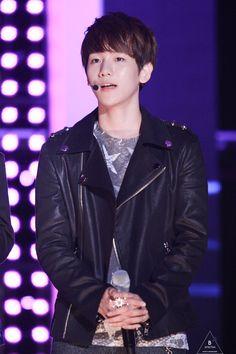 12.06.13 KBS Happy Concert at Cheongju (Cr: b'spectra: baekhyun0506.com)
