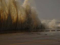 hurricane ike in galveston   galveston com hurricane ike hurricane ike strikes galveston island ...