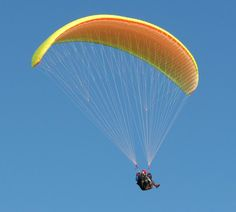 Paragliding provides you excitement, thrills and enjoyment. It has now become a popular flying sport. Adventure Activities, Adventure Tours, Fun Bucket, Lookout Mountain, Look Man, Paragliding, Skydiving, Outdoor Activities, Habitats