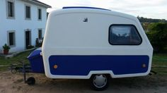 Tiny Camper, Small Campers, Camper Caravan, Caravan Ideas, Camper Ideas, Van Camping, Caravans, Recreational Vehicles, Trailers