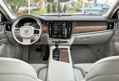 Zum Zum Auto - Electric Cars: Isprobao sam novu top Volvo limuzinu S 90: Ova limuzina spada u kategoriju automobila novog budućeg vala
