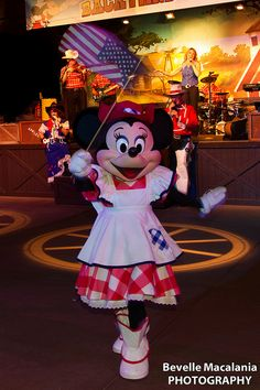 Mickey Mouse Backyard Bbq 56 best disney dining shows images on pinterest | disney dining