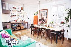 Elsa Billgrens home. Cosy Kitchen, Bistro Kitchen, Welcome To My House, Disney Crossovers, Bohemian House, Adventure Time Finn, Interior Exterior, Interior Design, Dream Decor