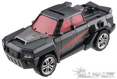 For those north of the border, it seems a trip to Walmart may be worth your while. Seibertron.com is reporting that Wave 2 of Transformers Generations Combiner Wars Deluxe has been spotted at a Walmart store in Laval, Quebec (on Saint Martin). This wave includes Air Raid, Breakdown, Dead End, and Of
