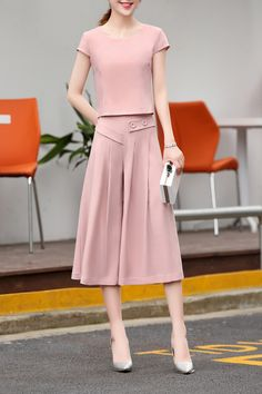 Chic Solid Pink Color Tee and Culottes Pants Suit #Pink #Culottes #Working_Woman #Work_Outfits