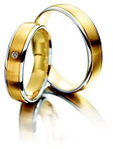 Meister yellow gold and white gold wedding ring set with Diamond