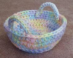 "Crochet - Free Pattern: ""Easter basket"" - Level: easy."