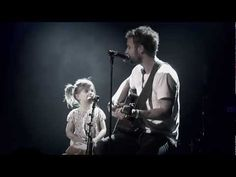 Dierks and his daughter Evie. This melts me like no other... <3