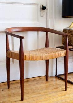 A graceful chair. >>>  Danish Modern Chair