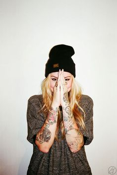 sexy tattooed girl tattoos tattoo fashion grunge style want jealous perfecy beanie ink inked tattoos blonde swag alternative hipster