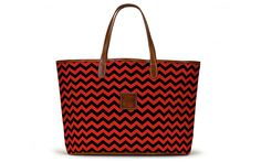 People in Lafayette, LA are rabid Ragin' Cajuns fans. Everything around town bleeds red and black. #Commandress shares how to pick your totes colors and choose a pattern to support your favorite team.