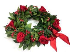 Risultati immagini per corona alloro laurea Party Decoration, Graduation Day, Confetti, Flower Arrangements, Congratulations, Christmas Wreaths, Floral Wreath, Bouquet, Holiday Decor