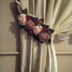 Luxury Curtains, Diy Curtains, Curtains With Blinds, Drapery Tie Backs, Curtain Tie Backs, Felt Flowers, Fabric Flowers, Curtain Designs For Bedroom, Curtains For Arched Windows