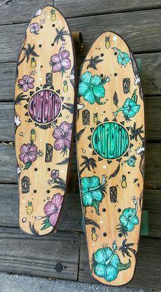 CaliFlorida Longboards the blue one😍😍 Skateboard Deck Art, Penny Skateboard, Surfboard Art, Skateboard Design, Skateboard Girl, Longboard Design, Skate Girl, Cool Skateboards, Skate Decks