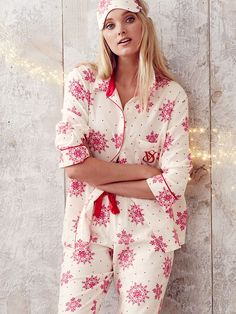 Our flannel PJ's = warmth without the weight AKA perfect for snuggling. <3 | Victoria's Secret The Dreamer Flannel Pajama