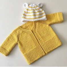 You can easily make this cardigan for your baby by examining the pictures.