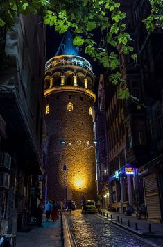 Galata Tower by Alexander Jikharev on – Wallpaper Ocean Wallpaper, City Wallpaper, Galaxy Wallpaper, Cool Places To Visit, Places To Go, Istanbul City, Girl Photo Shoots, City Art, Hagia Sophia