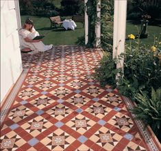 Popular victorian floor tiles from classic designs to traditional english floors in UK.