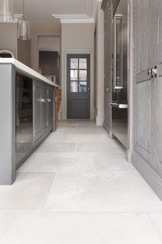 Stone Kitchen Floor, Grey Kitchen Tiles, White Kitchen Floor, Kitchen Design, Hall Flooring, Limestone Flooring, Kitchen Flooring, Large Floor Tiles, Grey Floor Tiles