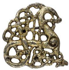 Massiv silberne vergoldete Fibel im Urnesstil des 11. Jh.