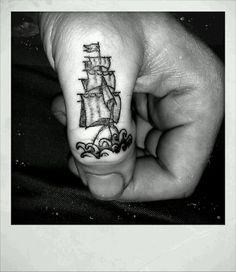 There is no story behind this tattoo, i just liked it and i liked that Mike Rhodes could fit it on my thumb.