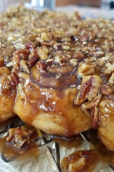 Ooey-Gooey Cinnamon Buns Recipe - - These buns are sooo good hot from the oven when they're gooey and warm. Pecan Cinnamon Rolls, Cinnamon Bun Recipe, Pecan Rolls, Pecan Sticky Buns, Best Sticky Buns Recipe, Köstliche Desserts, Baking Recipes, The Best, Breakfast Recipes